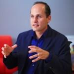 Laszlo Bock Jefe de Operaciones de Gerente en Google.