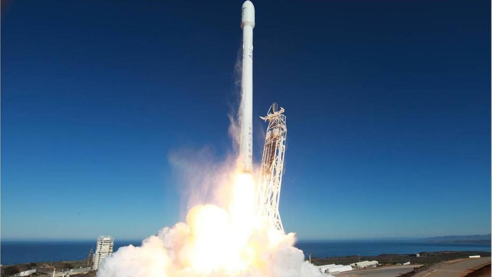 SpaceX Falcon 9 despegue