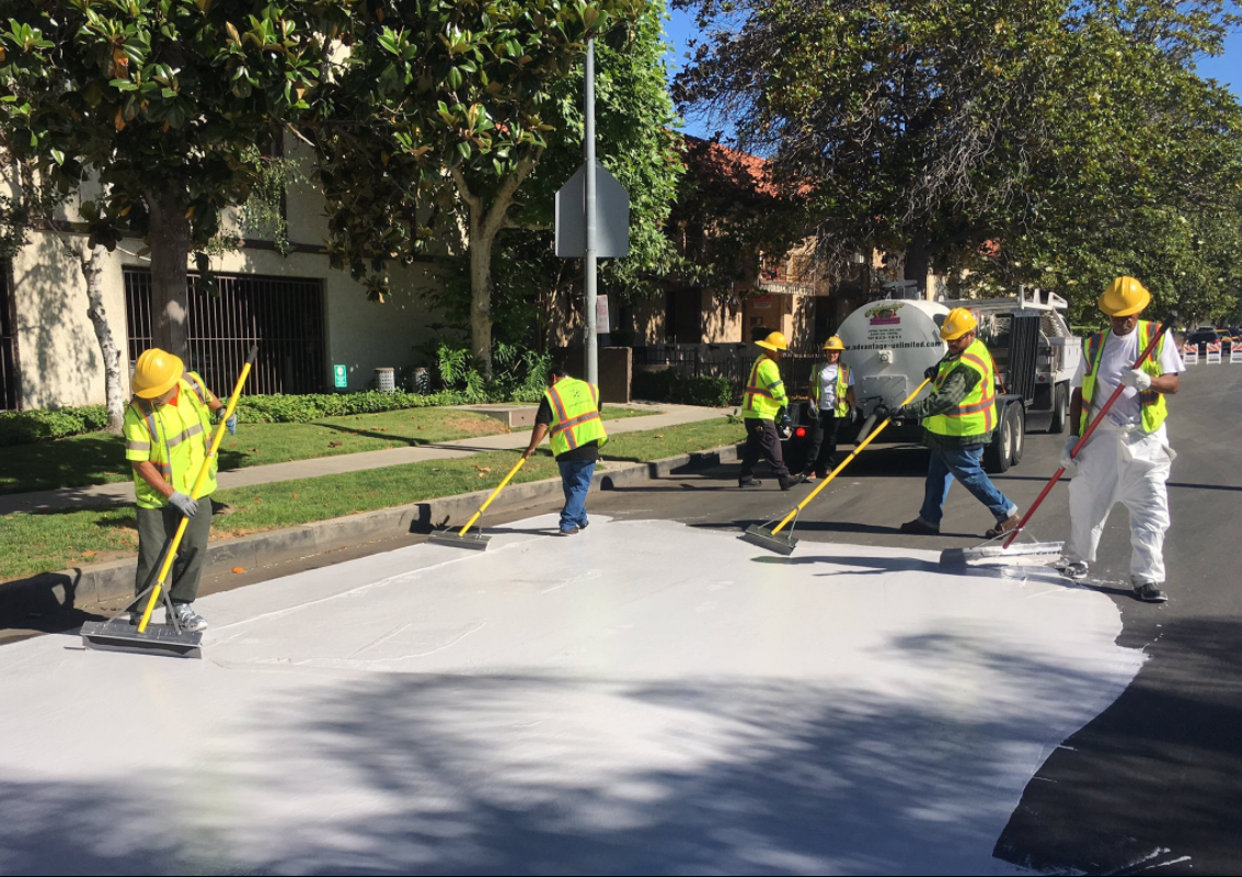 En California se están pintando las calles para reducir el calor
