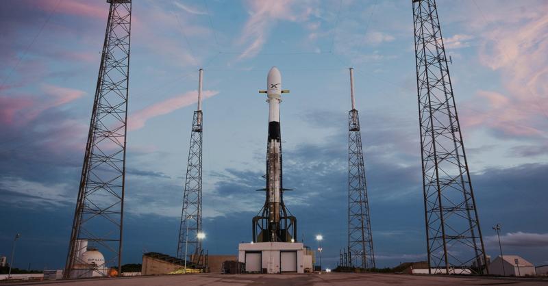 paceX ha lanzado sus primeros 60 satélites de Internet