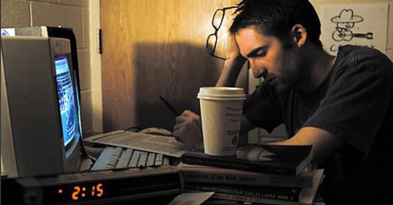 Esto le sucede a tu cuerpo cuando trabajas en el turno de noche y duermes de día